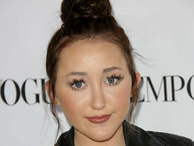 ¡Noah Cyrus nos habla sobre su primer break up amoroso!