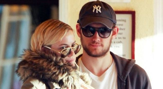 Alex Pettyfer y Riley Keough ¡se casarán!