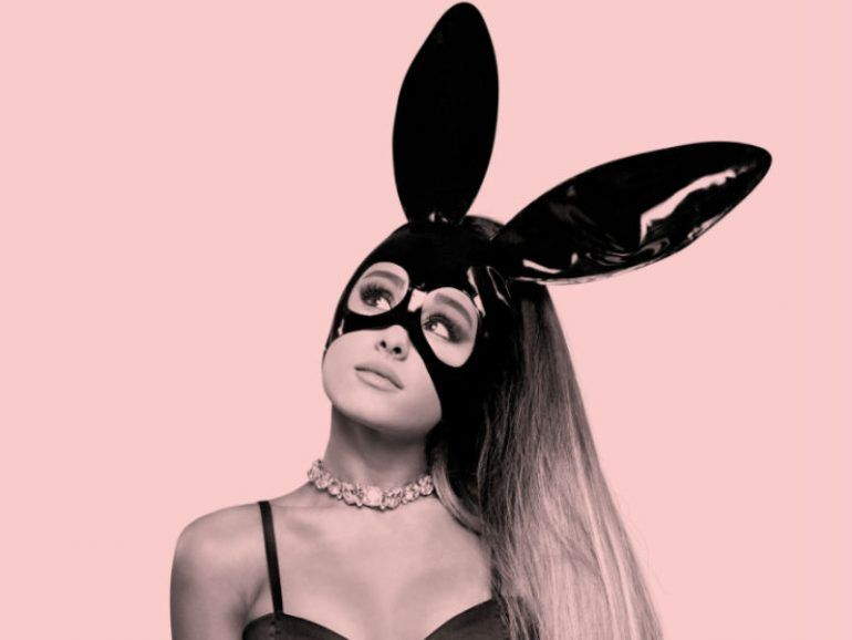 ariana grande serie documental