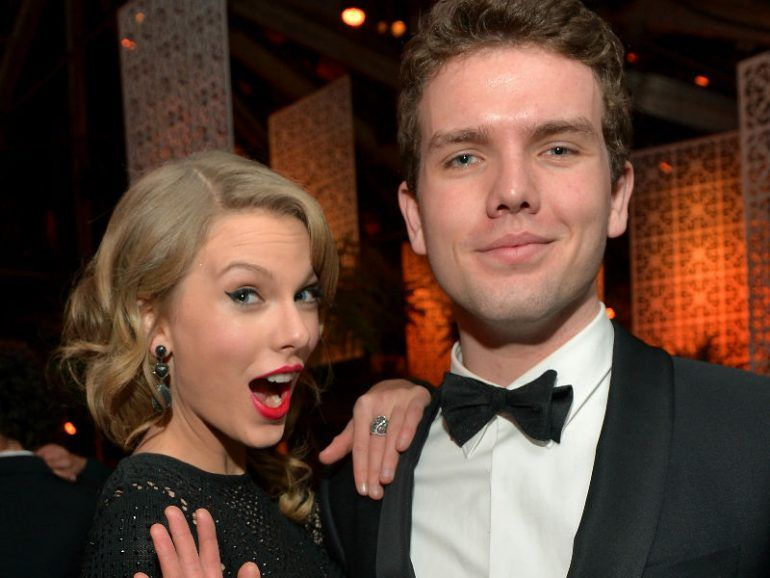 Así es como Taylor Swift apoya la carrera como actor de su hermano Austin Swift