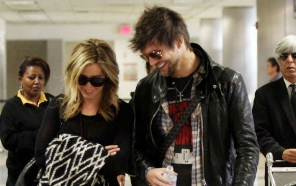 Ashley Tisdale y Martin Johnson