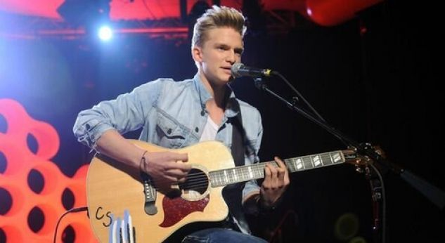 Cody Simpson ¡canta Please Come Home For Christmas