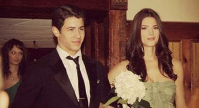 Nick Jonas y Ashley Greene llegan juntos a una boda