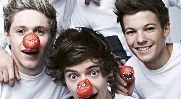 One Direction con narices rojas