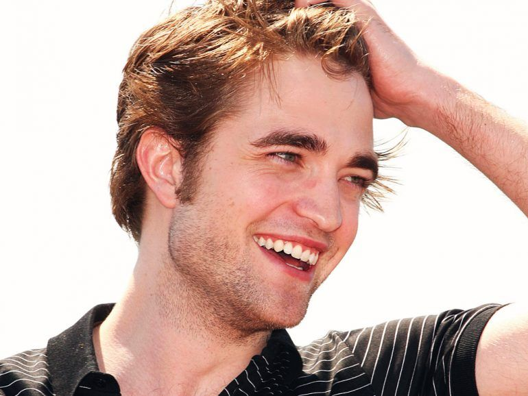 Robert Pattinson ¡sale a divertirse!