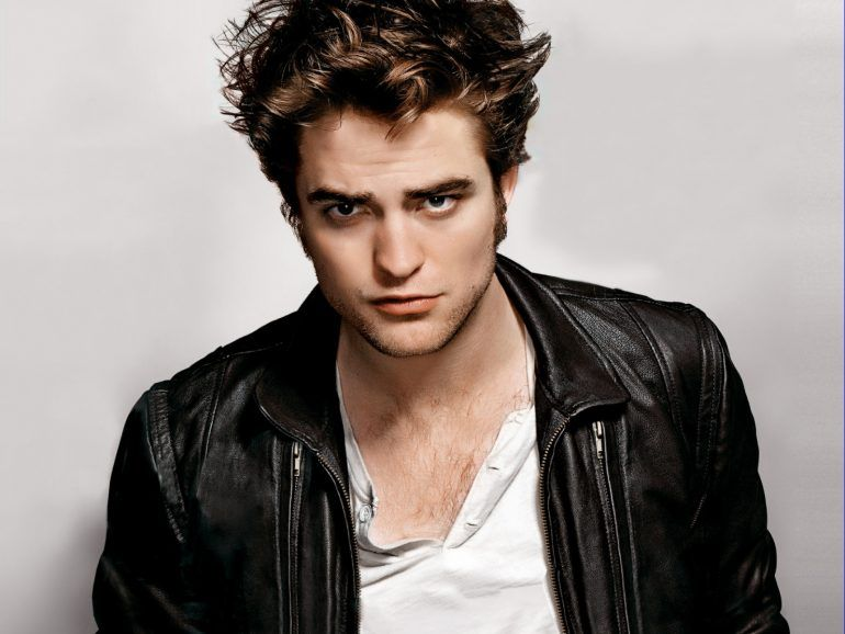 Se apunta Robert Pattinson para ser James Bond