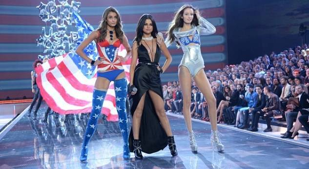 Selena Gomez se rodea de angelitos en el Victorias Secret Fashion Show 2015
